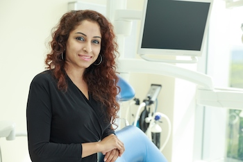 Dr-Anjali-Beverly-wilshire-Dentistnearby